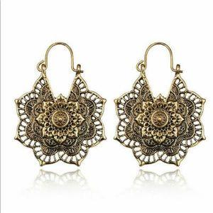 Jewelry - 🧜🏻♀️Gold Boho Earrings